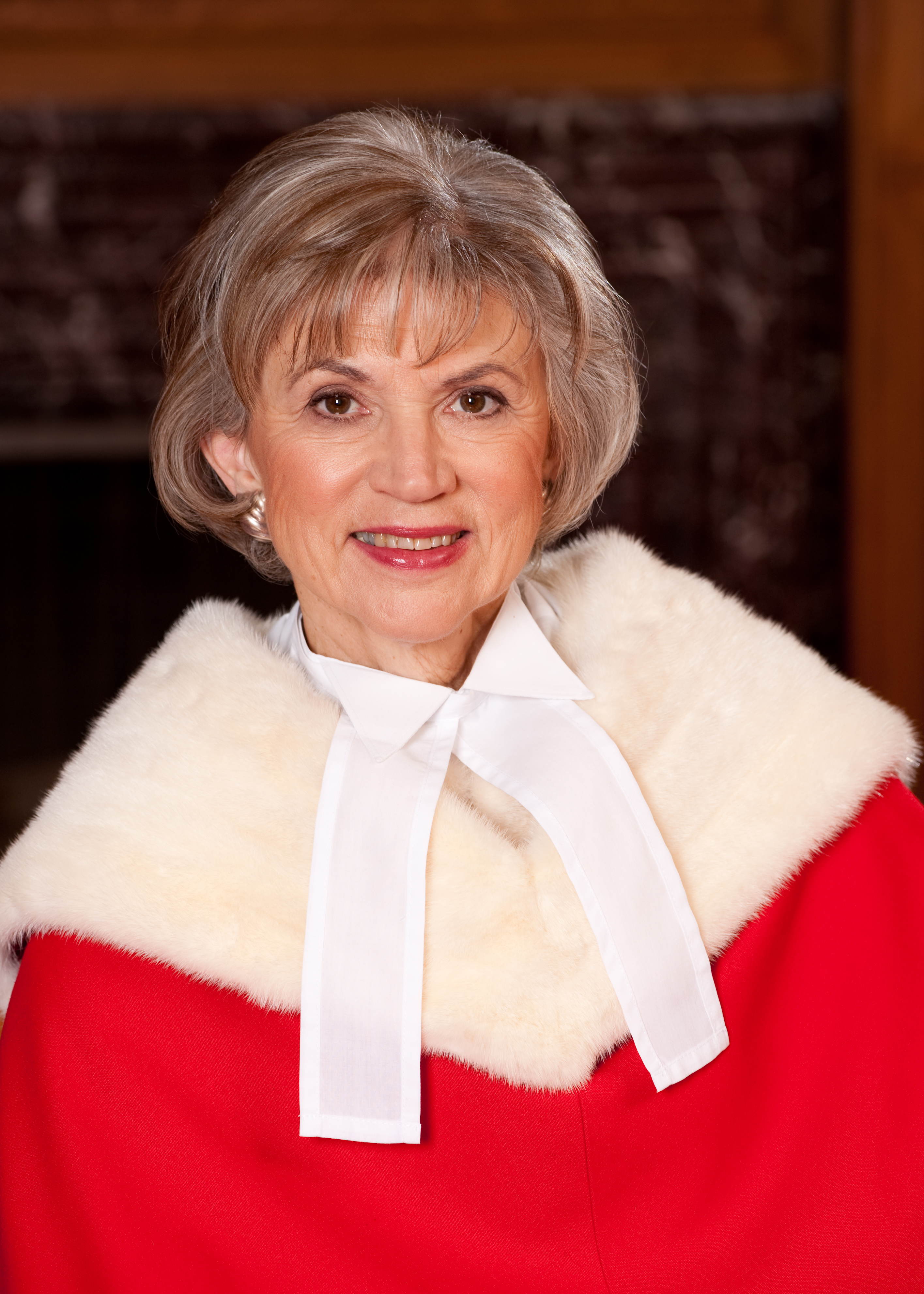 Photograph of The Right Honourable Beverley McLachlin P.C., B.A., M.A., LLB.